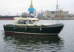 Freedom 30 ft/hull 01